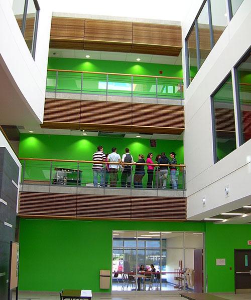L'atrium au campus de Lévis